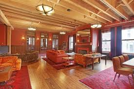 taylor swift rents 40k village carriage house during tribeca