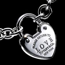 love heart choker necklace images Did tiffany 39 s co design its choker necklace after a female jpg