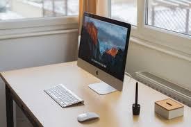 Clean Computer Desk Desktop Computer Pictures Download Free Images On Unsplash