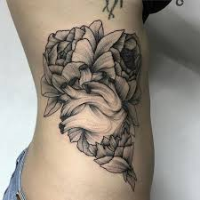 de 541 bästa roses and flowers tattoo bilderna på pinterest