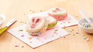Easter Cookie Decorating Games by Quick Easy Easter Cookie Recipes And Ideas Pillsbury Com