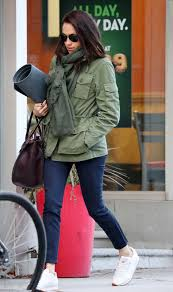meghan markle toronto address meghan markle spotted out in toronto 12 10 16 lipstick alley