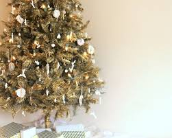 how to spray paint an artificial tree