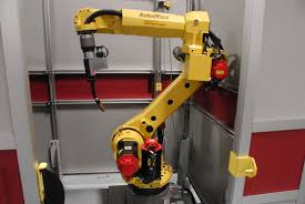 genesis versa 3m welding workcell featuring a fanuc arc mate 120ic