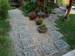 idee fai da te per il giardino decorare il giardino con i sassi idee fai da te per decorare un
