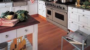 cuisine ancienne refaire une cuisine ancienne relooker la cuisine meubles
