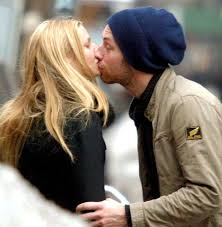chris martin and gwyneth paltrow kids gwyneth paltrow and chris martin u0027s romance through the years