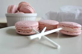strawberry french macarons grace full eats