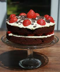 Chocolate Sponge With Strawberries And Cream Cheese Icing