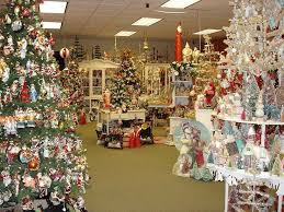 Christmas Decorations For Shop Front by 82 Best Store Decorations Images On Pinterest Coffee Shops Shop