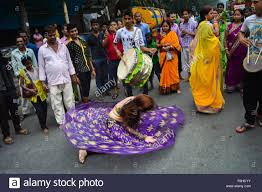 Seeking In Kolkata Kolkata India 17th Nov 2015 A Transgender Dances During