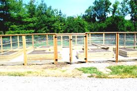 how to build vegetable garden fence with recycled materials