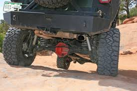 jeep front shocks video tom scott u0027s rockin u0027 2007 jeep wrangler rubicon off road