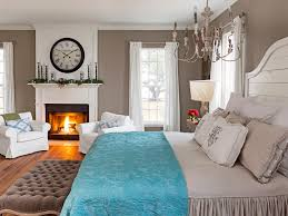 Hgtv Decorating Ideas For Bedroom by Fixer Upper Hosts Chip And Joanna Gaines Holiday House Tour