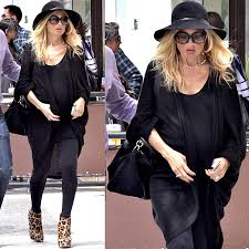 Comfortable Shoes Pregnancy 20 Heavily Pregnant Celebrities Wearing High Heels