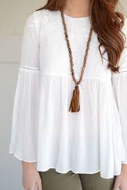 white flowy blouse we are obsessed this boho floral top by do be in a gorgeous