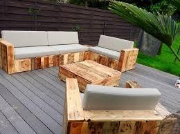 canapé en palette avec dossier diy bricolage fauteuil en palette canape jardin table basse