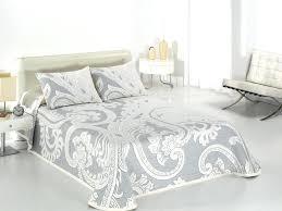 dessus de canap pas cher couvre lit gris et blanc dessus de lit gris et blanc couvre lit