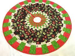51 best quilted christmas tree skirts by quiltsewpieceful images