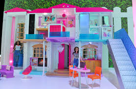 barbie u0027s new dreamhouse goes full iot with voice commands
