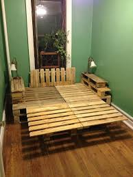 How To Make A Wood Pallet Platform Bed by Country Wood Pallet Platform Bed With Headboard And Side Table