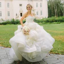 vera wang wedding dresses prices sell your wedding dress fast five tips preowned wedding dresses