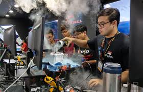 overclocking to 7ghz takes more than just liquid nitrogen