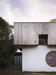 kennedy nolan architects merricks beach house white brick wood
