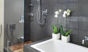 moderne badezimmer mit dusche und badewanne brocoli co inspirierende bilder wohnzimmer dekorieren