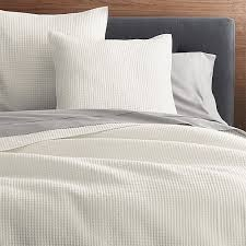Duvet Covers And Quilts Nora Cream Full Queen Quilt Crate And Barrel