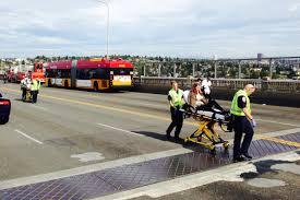 amphibious vehicle duck 4 dead dozens hurt in bus crash on seattle u0027s aurora bridge kuow