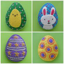 felt easter eggs pretty easter eggs easy felt patterns shiny happy world