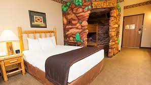 in suite themed rooms for in kansas city ks greatwolf com
