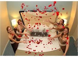Flower Decoration For Bedroom Bedroom Decoration With Flowers 1 Trendy Mods Com