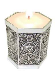 yahrzeit candle where to buy this candle is used for a yahrzeit the anniversary of someone s