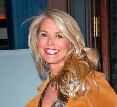hair styles for a young looking 63 year old woman christie brinkley s age how she looks so young at 62 hollywood