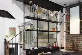 cuisine avec etagere verrières et étagères de style indus les ateliers du 4