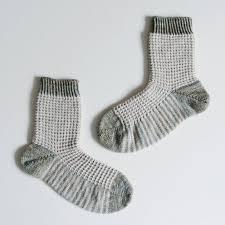 free knitting pattern gaufre socks mountain