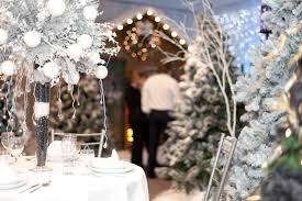 professional christmas decorating services for business and homes
