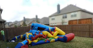 halloween bounce house rentals bounce house goes up and comes down in seconds dallas moms and dads
