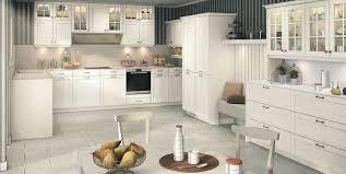 mobalpa cuisine catalogue cuisine délia chêne laqué blanc idée de décoration mobalpa
