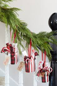Christmas Banister Garland Ideas 100 Country Christmas Decorations Holiday Decorating Ideas 2017