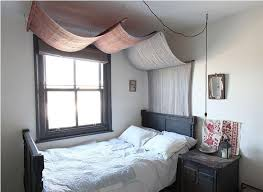 Curtains Hanging From Ceiling by Best 25 Dorm Room Canopy Ideas On Pinterest Dorm Bed Canopy