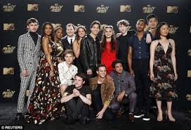 Seeking Cast And Crew Mtv Awards Minnette And 13 Reasons Why Cast Attend Daily
