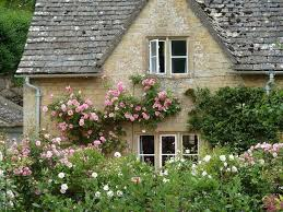Small Cottage Homes 352 Best Houses And Gardens Images On Pinterest Gardens