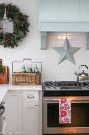 Christmas Decoration For Kitchen by A Lake Cottage Christmas Christmas In The Kitchen The Happy Housie