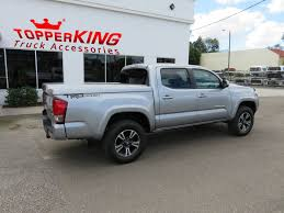 toyota tacoma silver 2017 trendy toyota tacoma leer tonneau topperking topperking