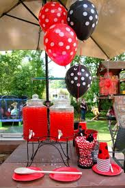 Decorate Table For Birthday Party Best 25 Party Table Decorations Ideas On Pinterest Diy Table