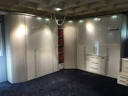 schlafzimmer schranksysteme nolte schranksysteme herrlich schlafzimmer eckschrank weis farbe