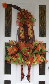 Witch Wreath Halloween by 209 Best Halloween Wreaths Images On Pinterest Halloween Crafts